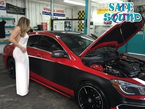 2014-mercedes-cla-shop-model-wrap